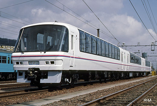 Super saloon YUMEJI of West Japan Railway which made its debut in 1988.