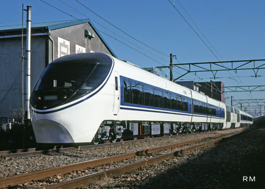 371 series trains of Central Japan Railway. A 1991 appearance. Limited express Asagiri use linking Shinjuku - Gotemba - Numazu.
