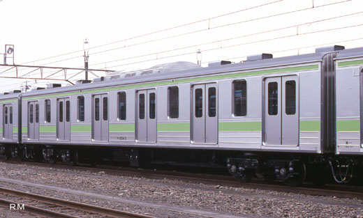 Commuter car SAHA-204 type of JR East. A 1990 debut.