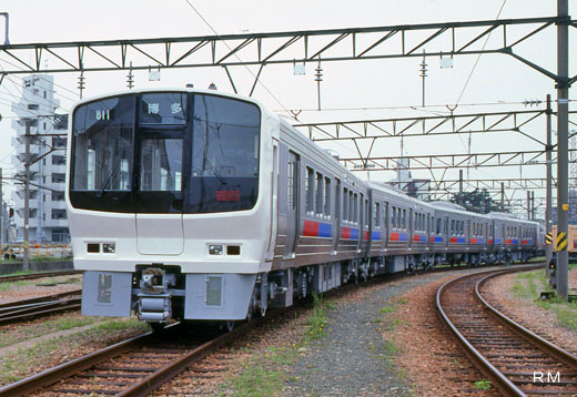 The 811 type train of Kyushu Railway. A 1989 debut.