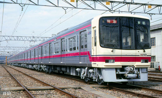 A 8000 type commuter train of Keio Electric Railway. A 1992 appearance.