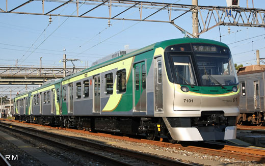 A commuter train for Tokyu Corporation Ikegami / Tamagawa lines, 7000 type (the second generation). A 2007 appearance.