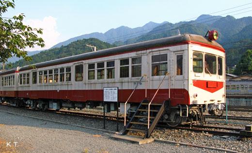 A KUHANI-20 type of Chichibu Railway of Saitama. I retire myself in 1988 and save it in Railroad Park.