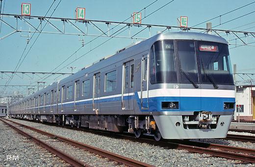 2000 series trains of Fukuoka City Transportation Bureau. A 1992 debut.