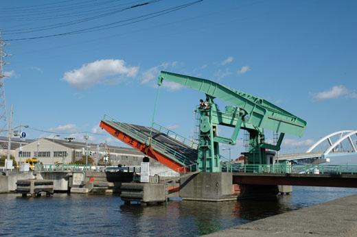 A bascule bridge of Amagasaki-shi, Hyogo. Higashi-Takasu Bridge.