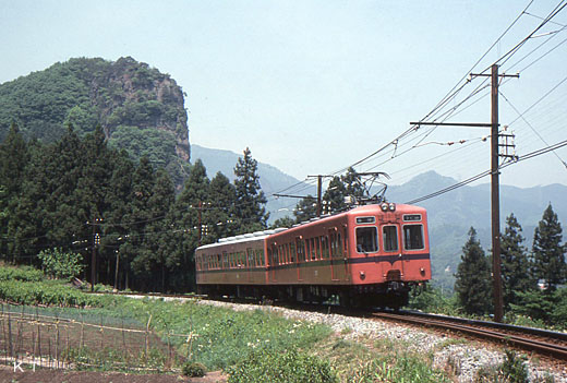 The 200 type train of Joshin Dentetsu. A 1964 appearance.