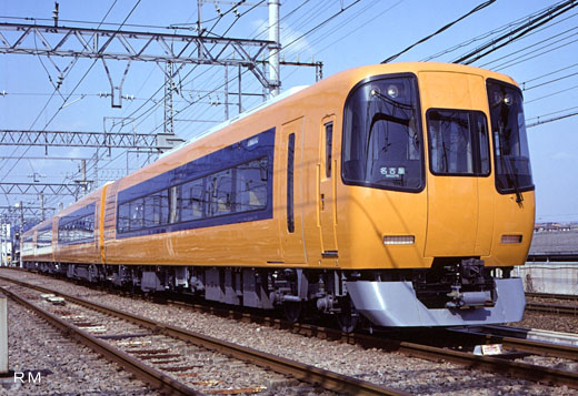 A limited express train of Kinki Nippon Railway, 22000 series ACE. A 1994 debut.