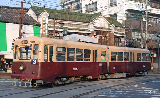 The 5000 type train of the Kumamoto streetcar. A product made in 1957, a former Fukuoka streetcar.