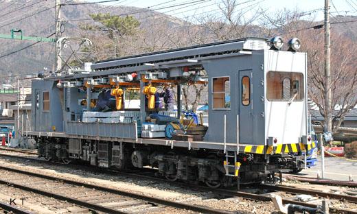MONI-1 type of Hakone Tozan Railway. A 1975 debut.