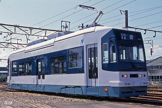 An MO800 type streetcar of Nagoya Railroad. A 2000 debut.