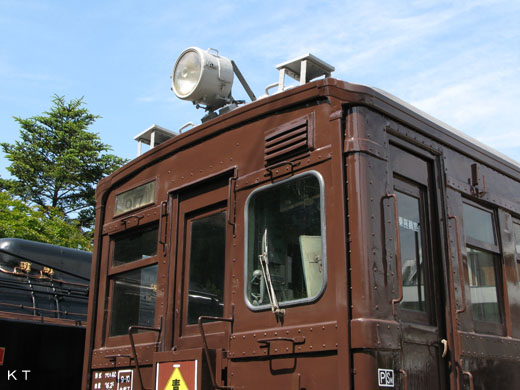 A commuter train MOHA-40 type of Japan National Railway. It produces it from 1932.
