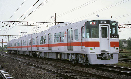 5000 series trains of Sanyo Electric Railway. A 1986 debut.