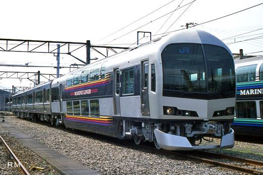 5000 series for Malin liner of Shikoku Railway Company. A 2003 debut.
