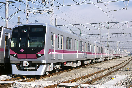 A train for subway Hanzomon Line of Tokyo, 08 series. A 2003 debut.