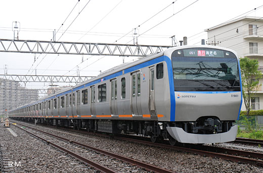11000 commuter train series of Sagami Railway. A 2009 debut.