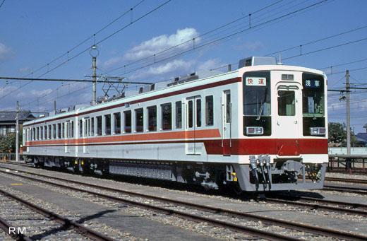 A 6050 type train of Tobu Railway. A 1985 debut.