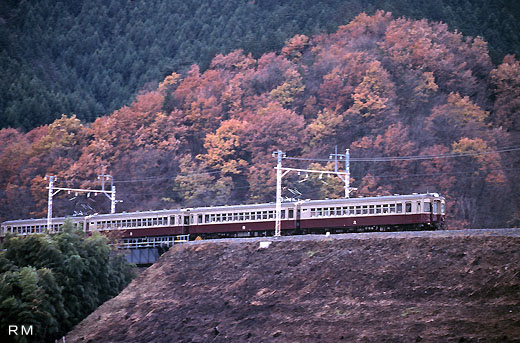 A limited express coach 5700 series of Tobu Railway. From 1951 to 1991.