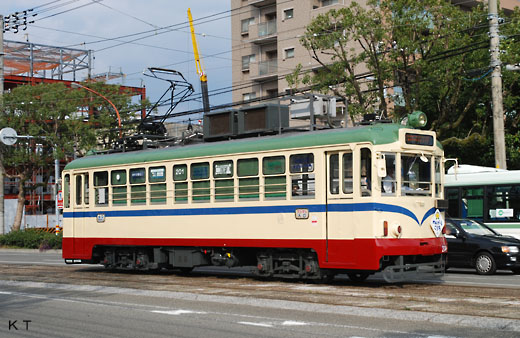 Tosa Electric Railway 200 type. A streetcar of Kochi. A 1950 debut.
