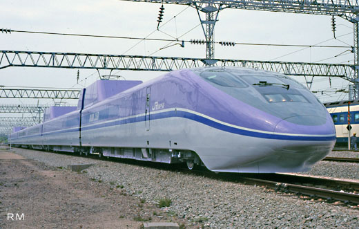 High speed experiment train WIN350 of the Sanyo Shinkansen. 1992 completion.