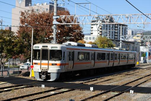11_10_26_mukaiyama_naoki001.jpg
