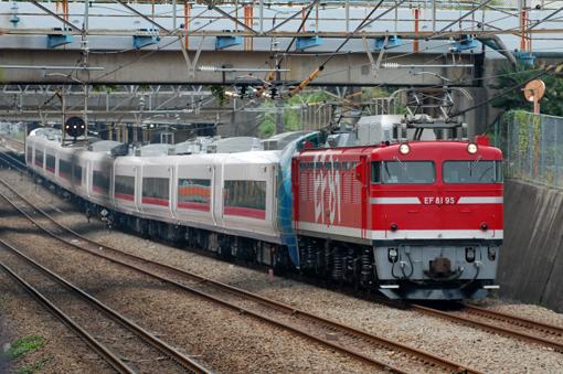 2011_10_13_tomura_gaku001.jpg