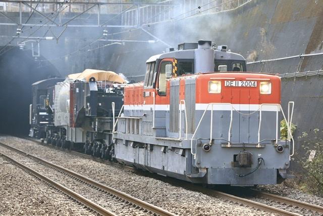 特大貨物輸送が昼間に運転される   鉄道ホビダス